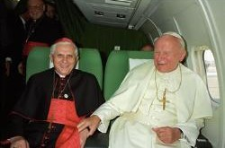 Em-entrevista-Papa-emerito-fala-sobre-Joao-Paulo-II